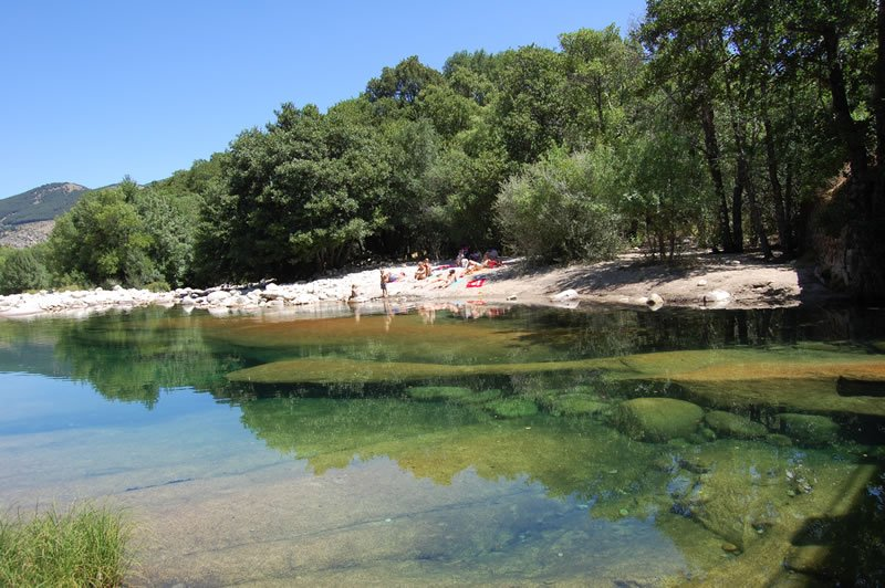 10 zonas de ba o naturales en castilla y l on siente for Piscinas naturales valladolid