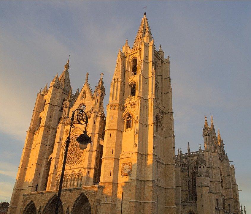 9 razones por las que debes visitar castilla y le n for Arquitectura que ver en madrid