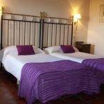 Hotel Los Rastrojos dormitorio, casas rurales para viajar con niños en Burgos