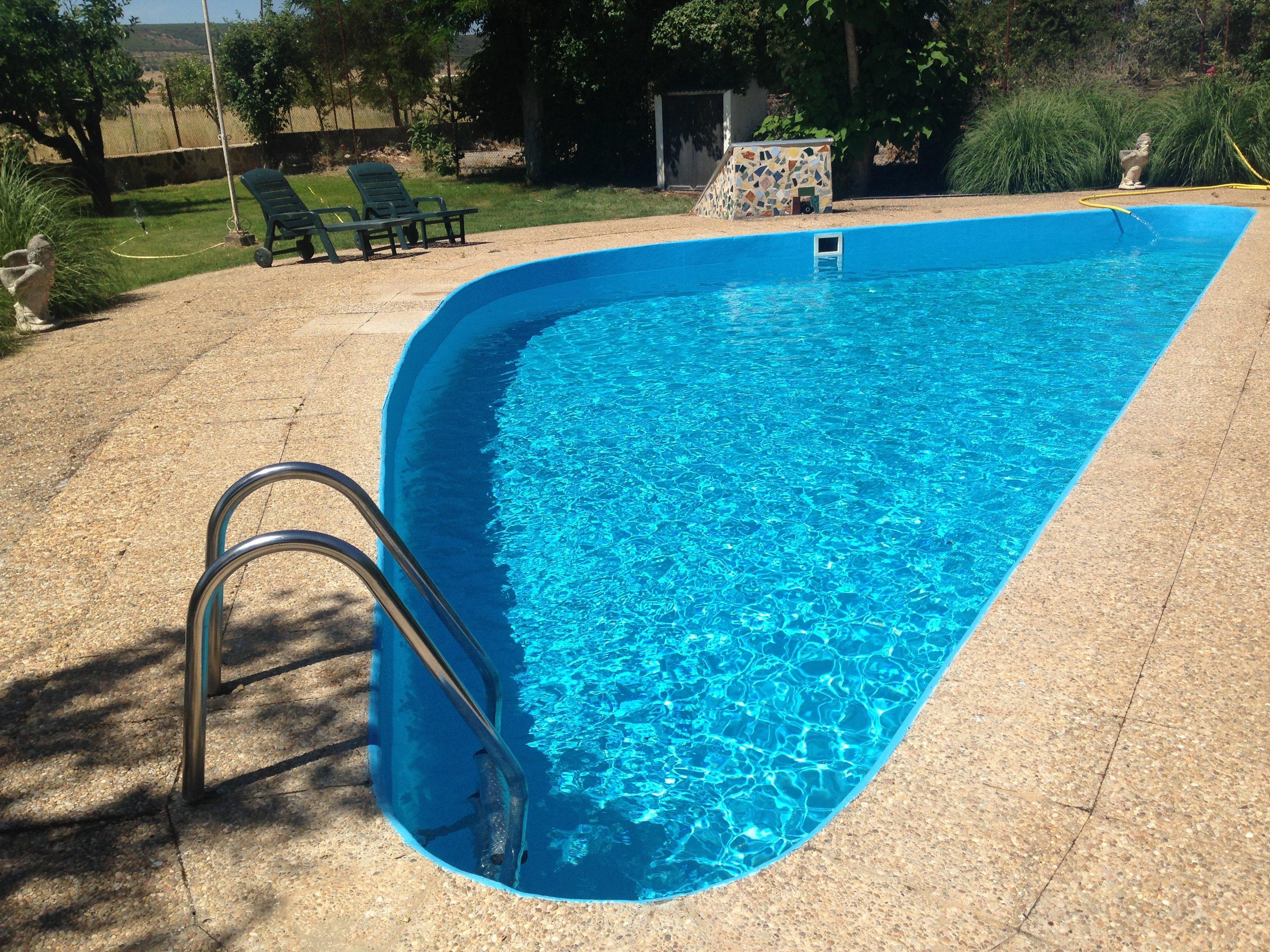 Se acerca el verano alojamientos rurales con piscina en for Piscinas zamora