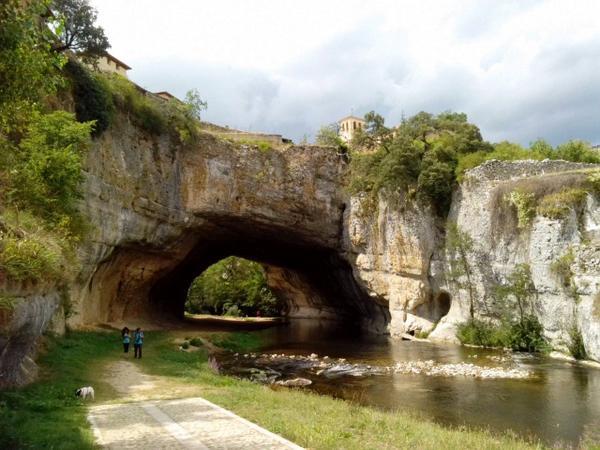 vista de Puentedey en Merindades turismo en castilla y león