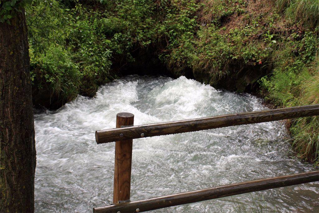 Río Queiles Vozmediano en la provincia de Soria turismo en castilla y león