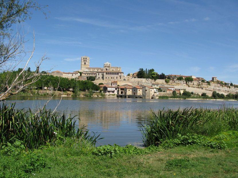 vistas de la ciudad de Zamora turismo en castilla y león
