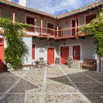 patio casa rural la madrigata casas rurales para grupos en León