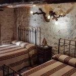Casa rural Maryobeli dormitorio Edades del Hombre