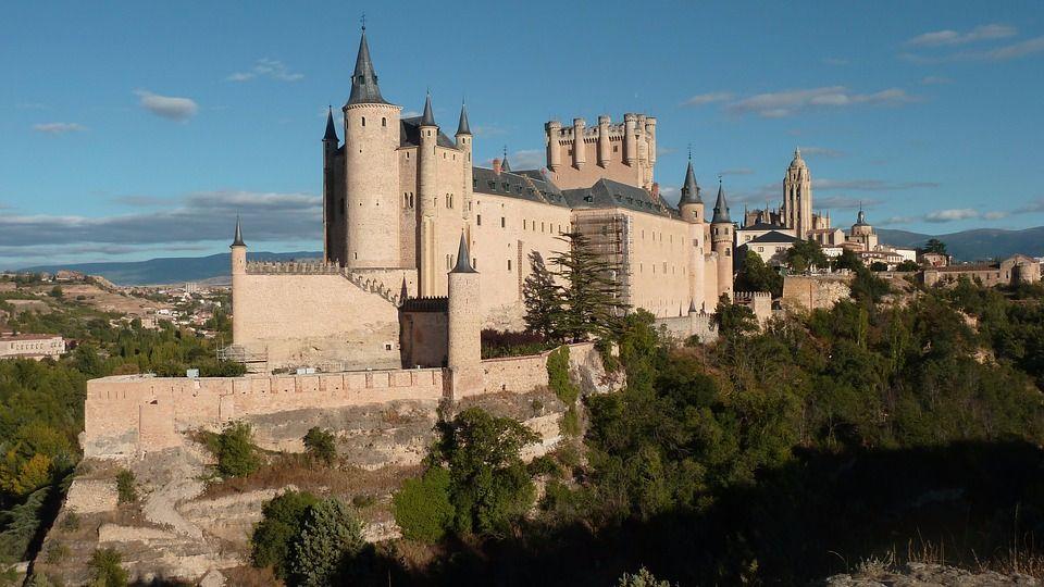 El Alcazar de Segovia fortalezas medievales de Castilla y León