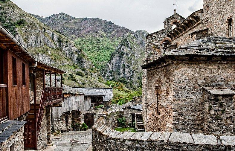 9 pueblos con encanto para una escapada en pareja siente - La toscana casa rural ...